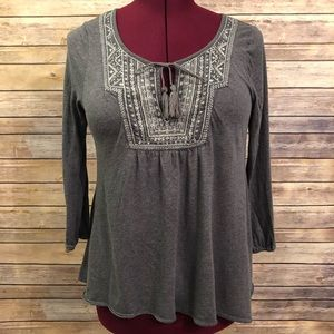 AEO Gray & White Mid Sleeve Peasant Style Blouse